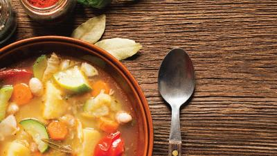 Sopa é opção nutritiva e digestiva. Conheça mais benefícios do prato